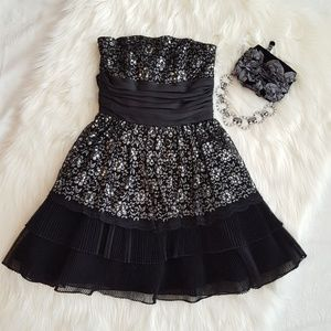 ✅Betsey Johnson Sequins & Lace Prom Formal